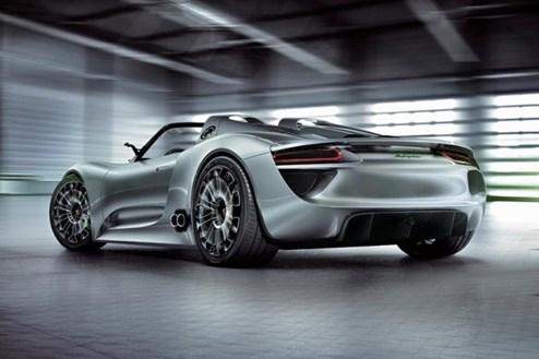 3 Liter auf 100 km? Dürfte der Porsche 918 Spyder nur in der Theorie erreichen.