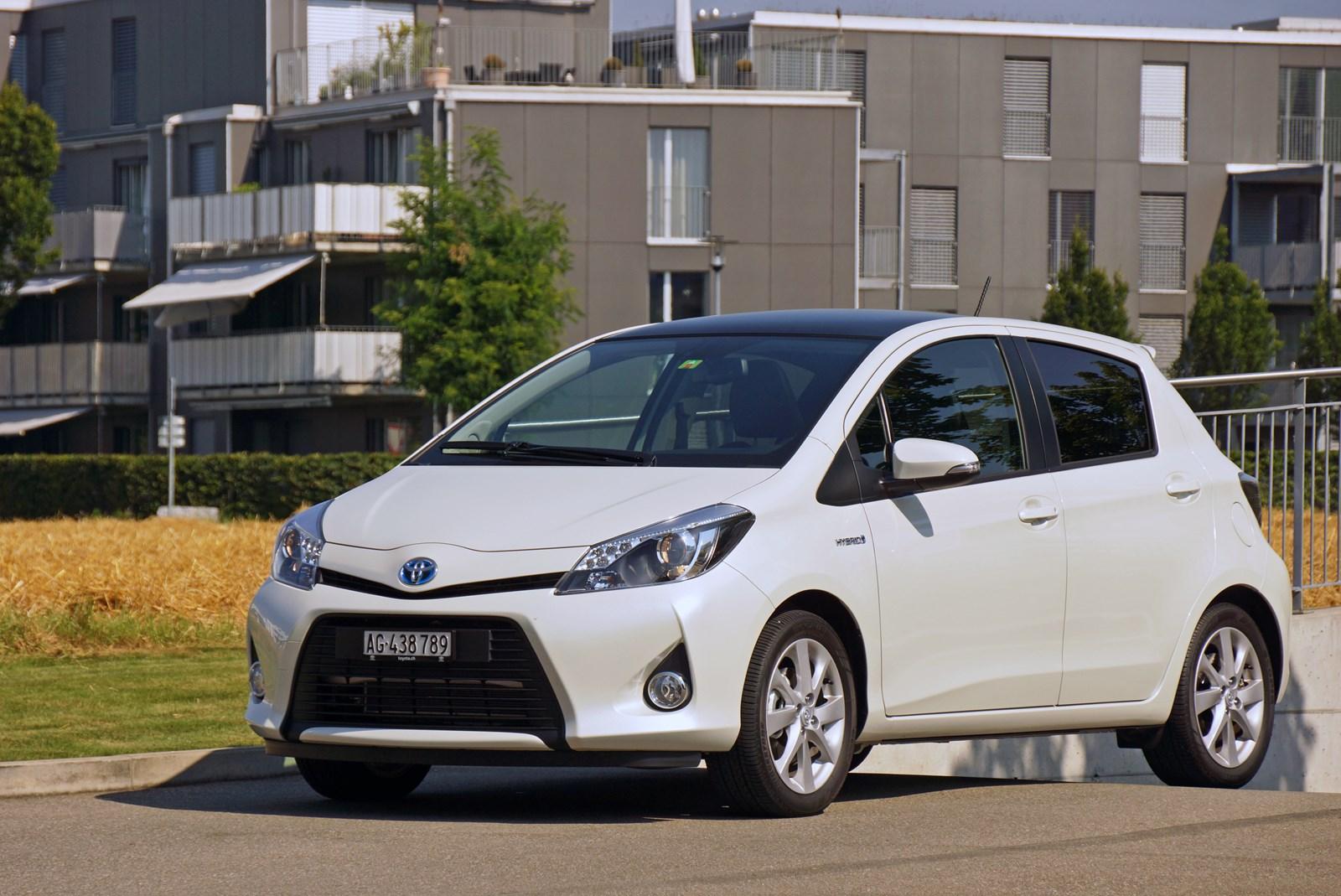 toyota yaris - toyota yaris hybrid 2012 im test