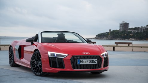 AUDI R8 - love is in the air