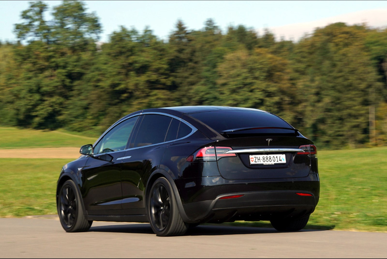 Tesla model x tesla model x im test 2016 for Mobel inserieren