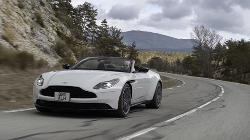 ASTON MARTIN DB11 - The sky is the limit