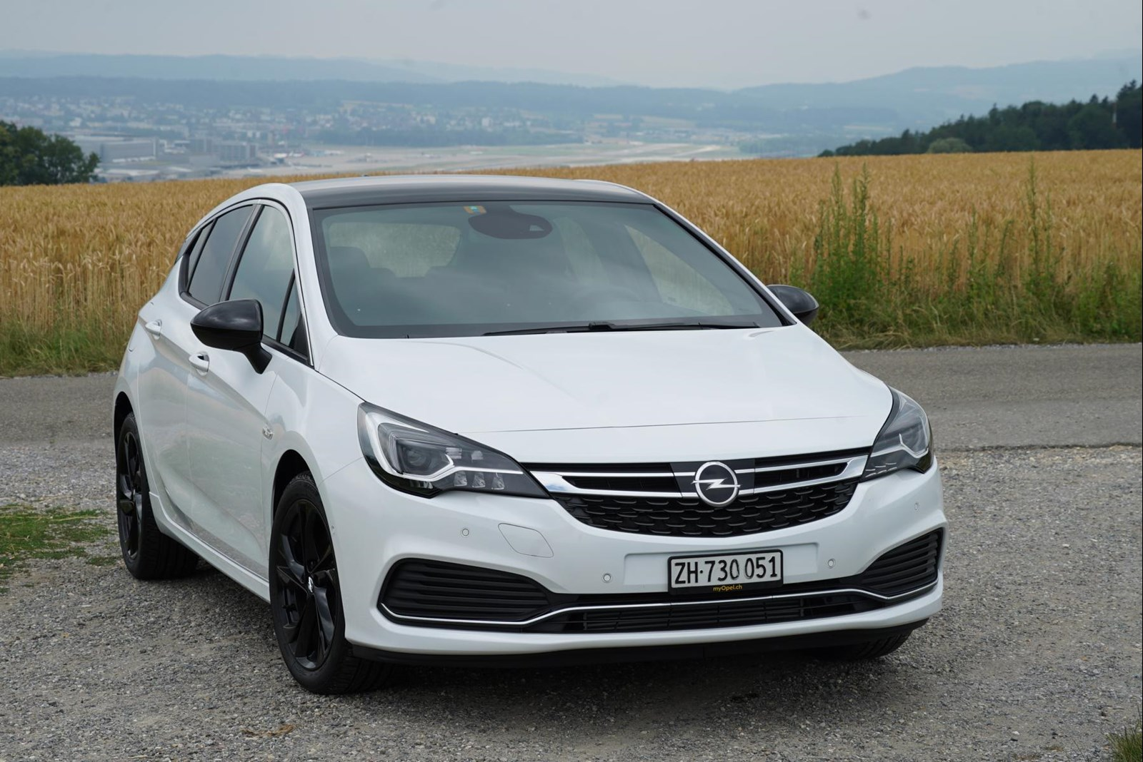 Opel Astra Black Edition 2018 (2).JPG