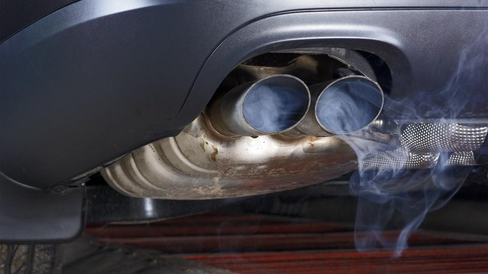 Risultati immagini per gas di scarico automobili