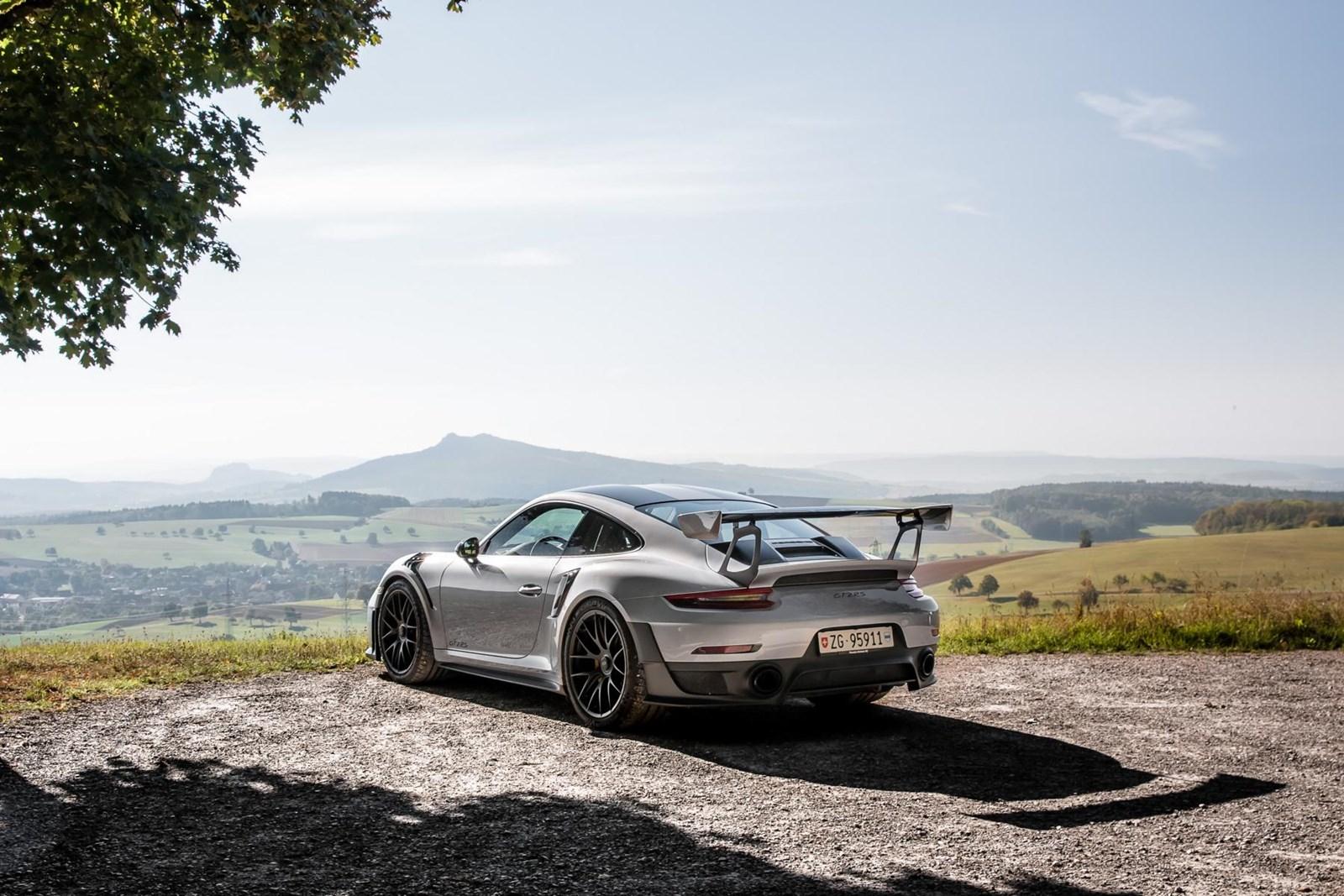 Porsche 911 GT2 RS 2018 - (08).JPG