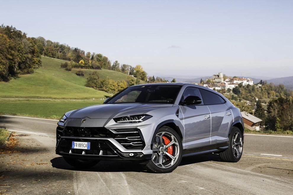 Lamborghini Urus Prove Auto Un Toro Pronto A Tutto