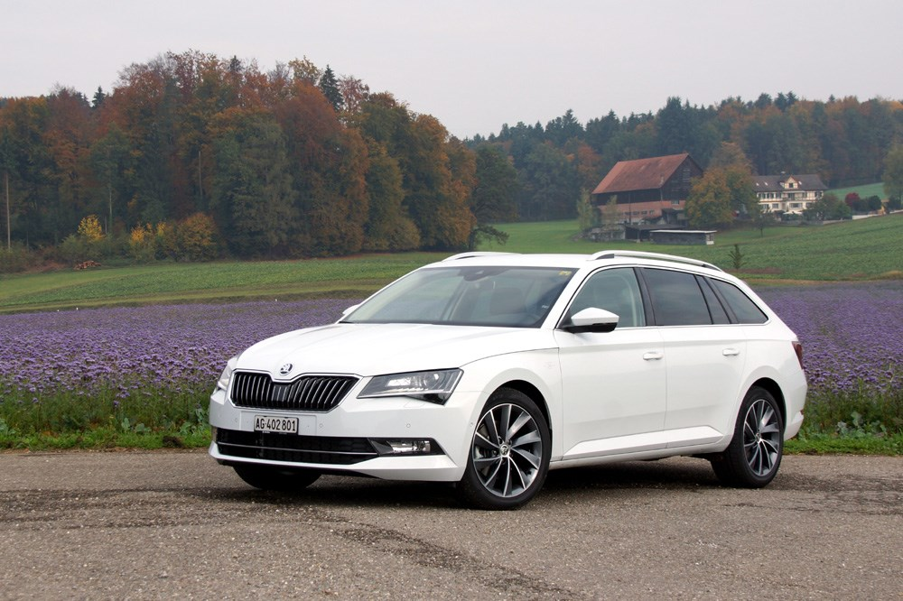 skoda superb skoda superb 2015 im test. Black Bedroom Furniture Sets. Home Design Ideas
