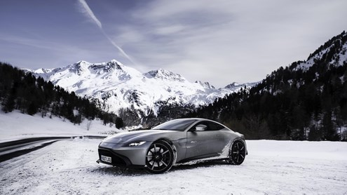 ASTON MARTIN V8 Vantage - Fire & Ice