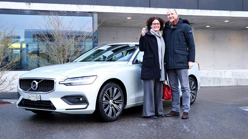 VOLVO V60 - In pista con la Volvo V60 Momentum!