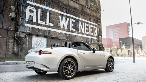 MAZDA MX-5 - Cabriolet intergénérationnel