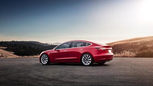 Tesla Model 3 est la voiture suisse de l'année