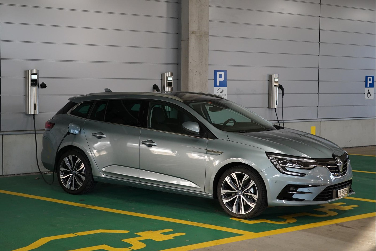 Renault Mégane E-Tech 2020 - 1.JPG