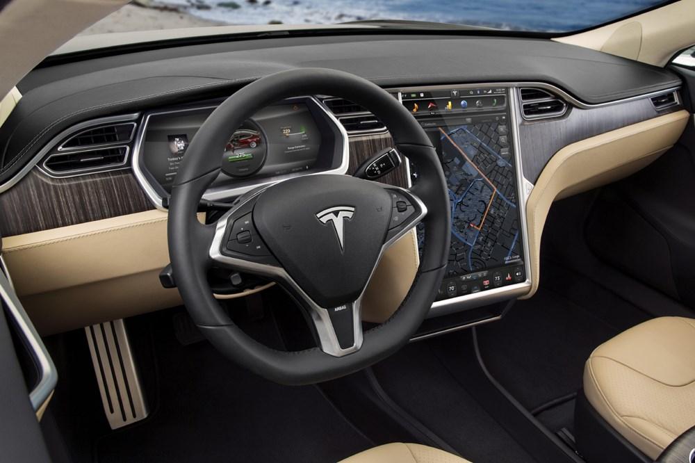 TESLA MODEL S - Tesla Model S P85D 2015 im Test