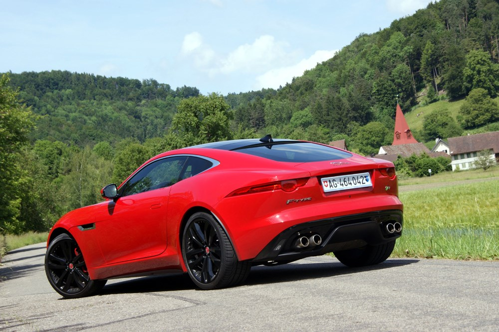 jaguar f type jaguar f type r coup 2014 au test. Black Bedroom Furniture Sets. Home Design Ideas